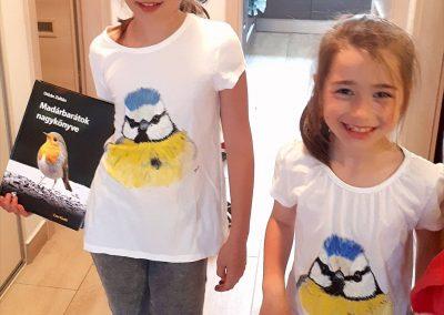 Tesó póló kislányoknak egyedi madár mintával