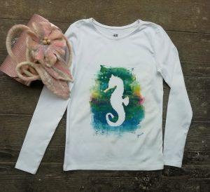 egyedi festett női póló születésnapra, ajándékba