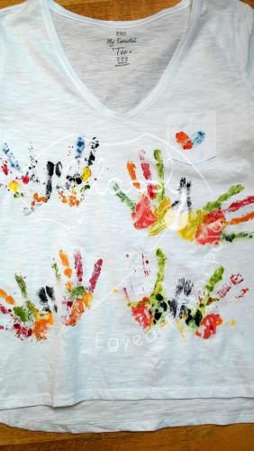 Nyugdíjas ajándék - kézzel festett, egyedi női póló.
